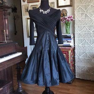 Tasashi dress